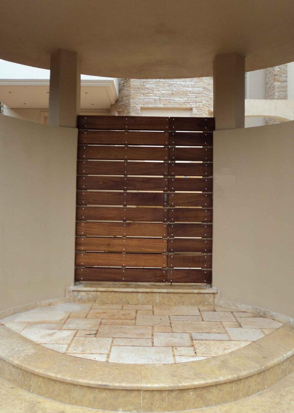 Street-garage-doors-with-irokob02