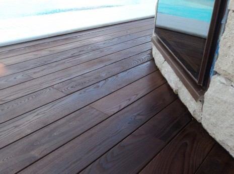 Deck με ThermoWood